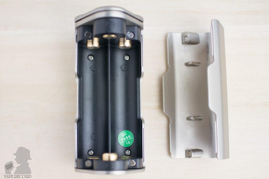 MAXO Zenith Box Mod バッテリー装着